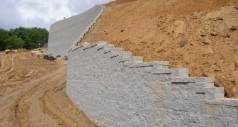 hardscapes-retainingwall-3
